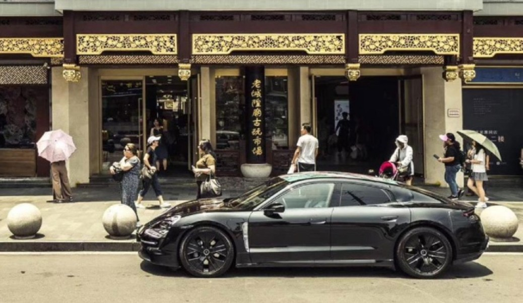 Porsche Taycan presentado por el mundo