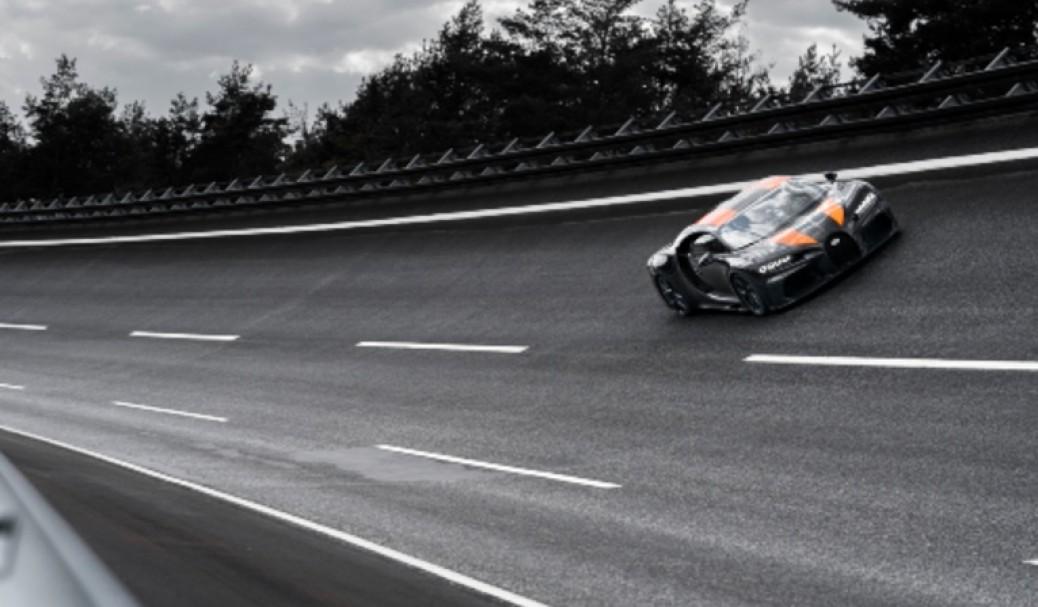 Bugatti Chiron Pulveriza las 300 mph